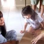 [感激] 少女にワンちゃんのレゼントを贈ったら、最高のリアクションが♪