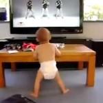 ビヨンセの曲をMVを見ながら、ダンスを踊る赤ちゃんがカワイイ