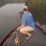 [奇跡!?] 川釣りをしていたら、子猫が釣れた・・・